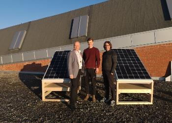 Forsker på solceller og snø